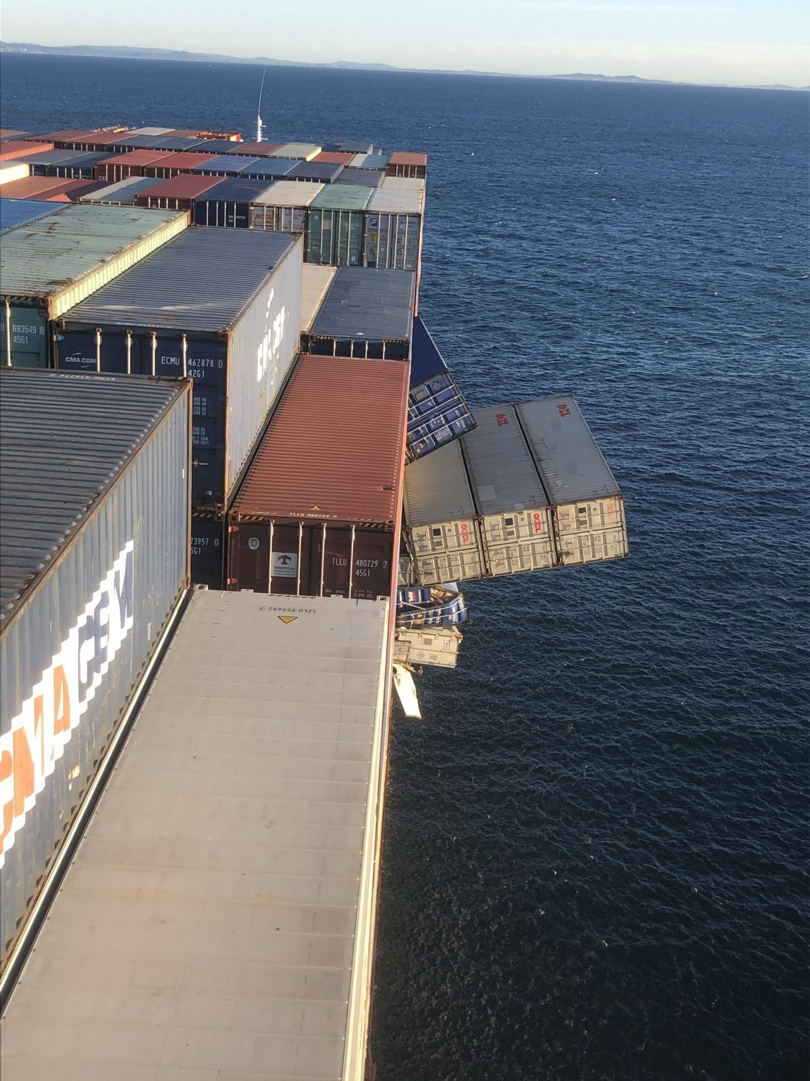 containers falling