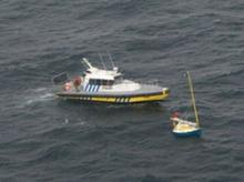 Image of Yorke Island pilot vessel assisting Poisson d'Avril