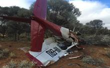 Image of crash landing of Cessna 210 VH-ERU, Cue Meekatharra, WA