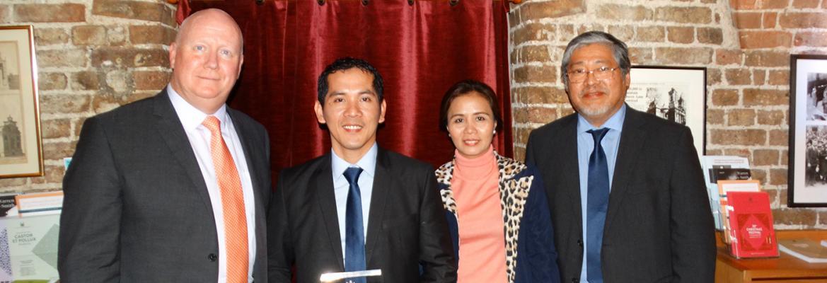 AMSA CEO Mick Kinley, Able Seaman Vicente Somera, Mrs Lilibeth Somera, and HE Enrique Manalo, Philippine Ambassador to the United Kingdom