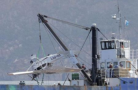 Image of aircraft winched from the water