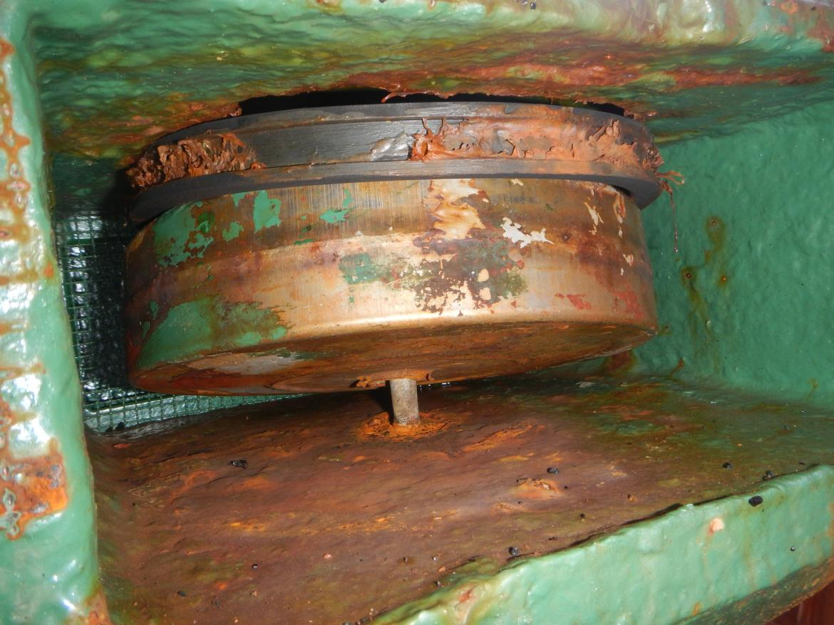 Image of defective multiple ballast tanks air pipe closing arrangements