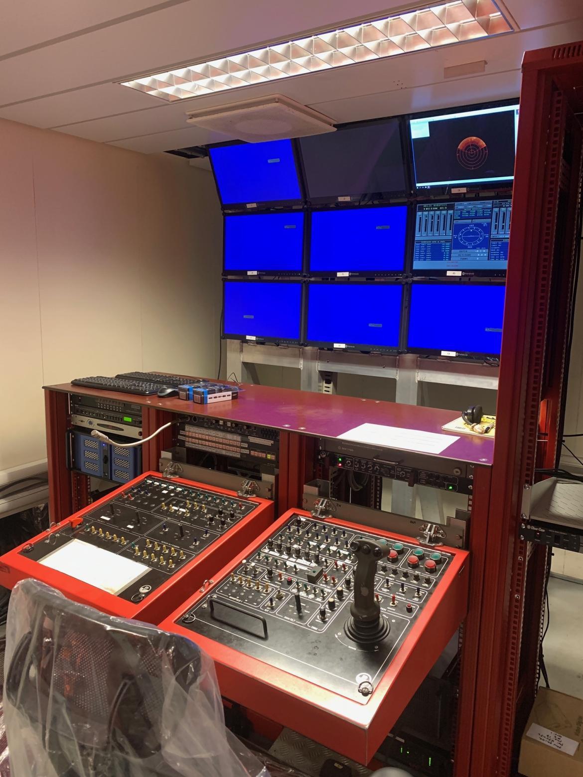 ROV pilot screen setup